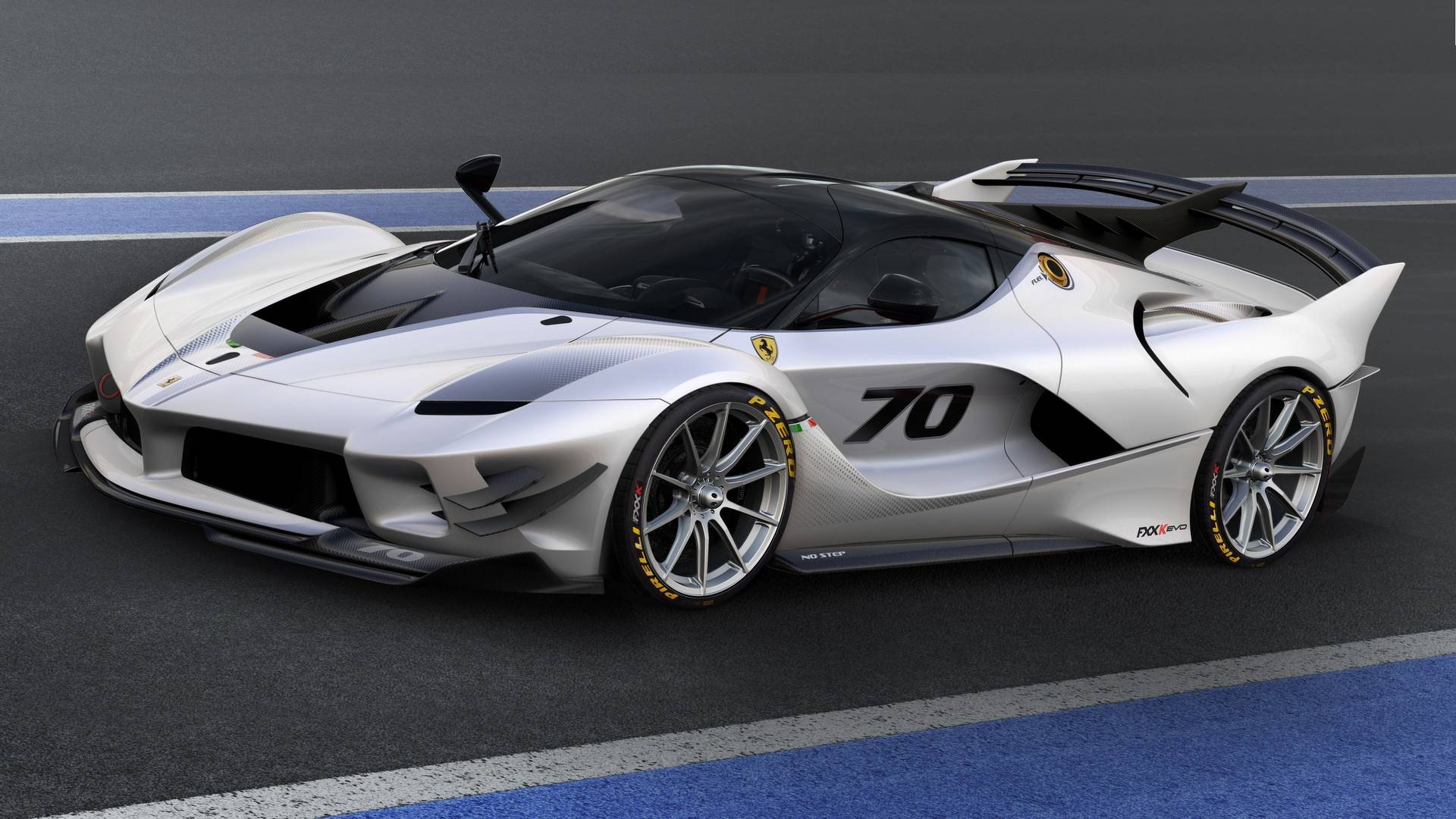 Ferrari FXX K Evo Debuts With More Aero, Less Weight