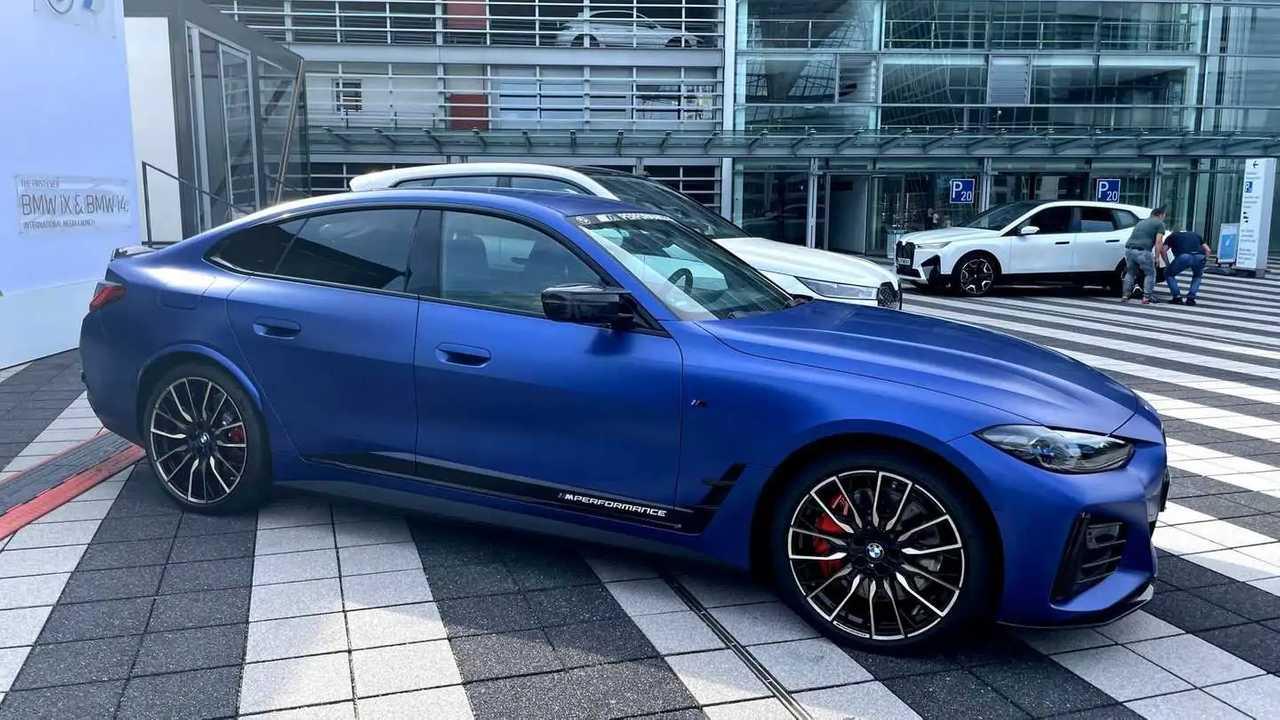 BMW i4 M Performance alkatrészekkel