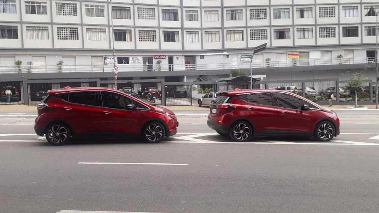Novo Chevrolet Bolt 2022 - flagra no Brasil (2)