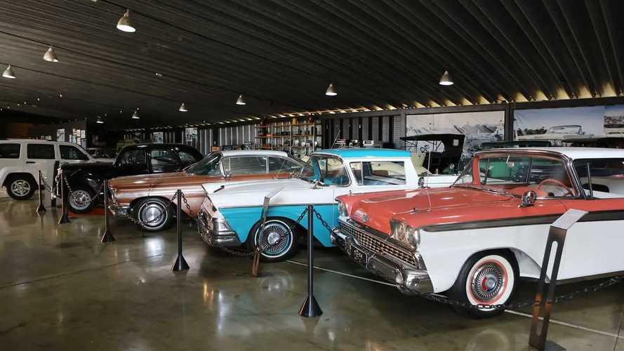 """""""Hotel para carros"""", Box 54 reúne e cuida de antigos e exóticos"""
