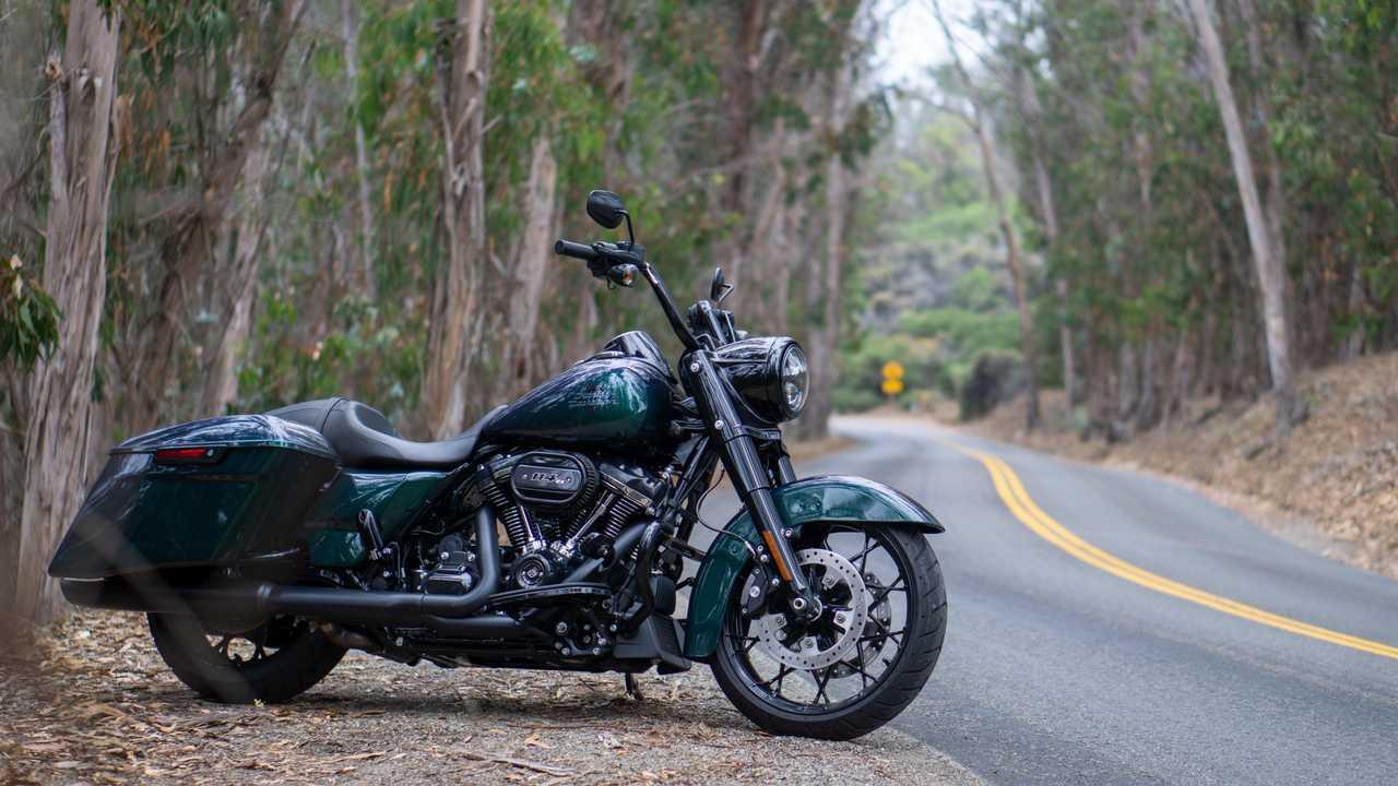 2021 Harley-Davidson Road King Special - Roadside