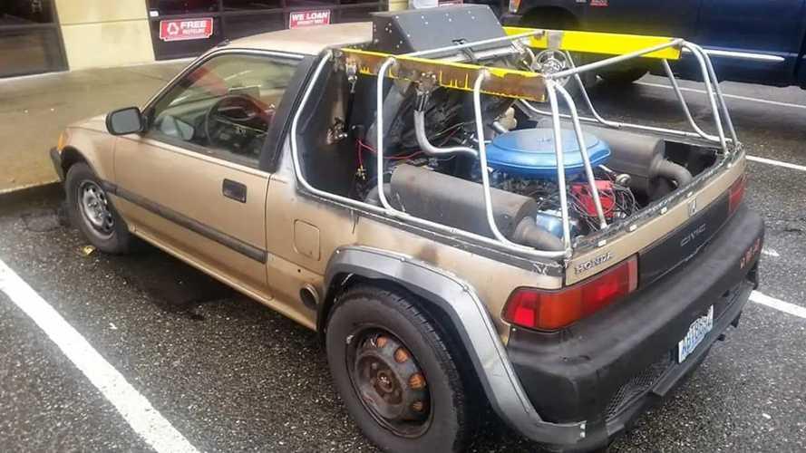 Este Honda Civic 'ochentero', lleva un motor V8 de Oldsmobile