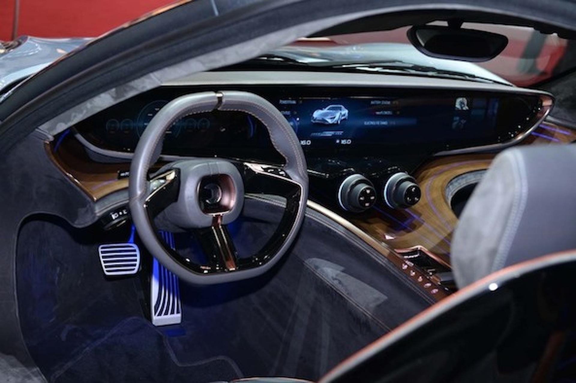 Geneva 900HP Quant E Limousine Showcases Advanced Flow Cell Battery