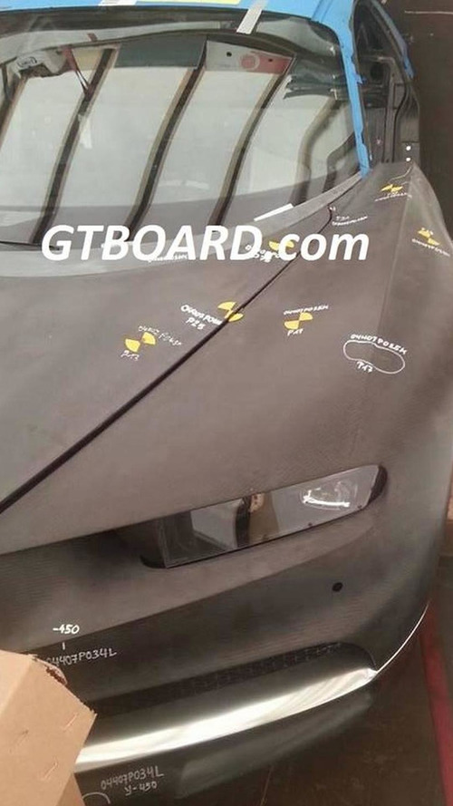 Alleged Bugatti Chiron early prototype photographed