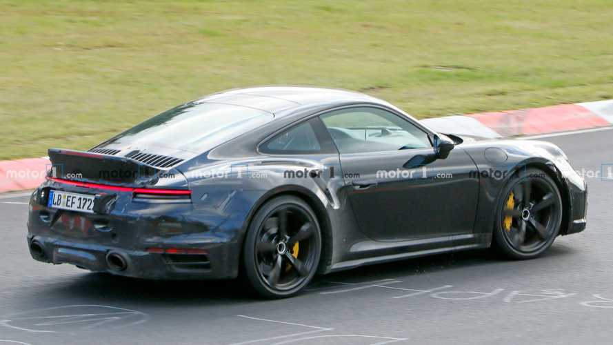 New Porsche 911 Turbo with ducktail spoiler spied again at the 'Ring