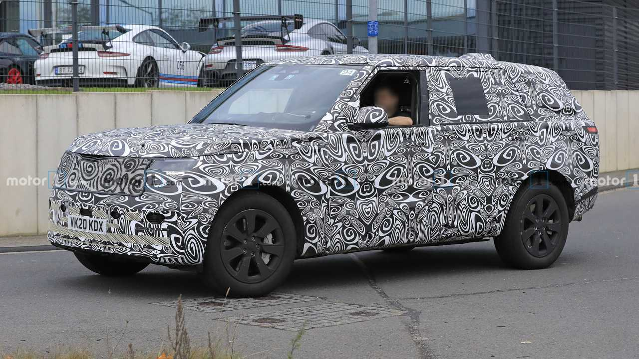 Land Rover Range Rover LWB Spy Photos  Front Driver Side