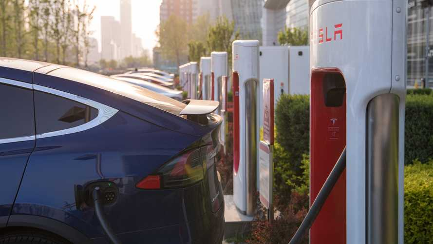 Tesla Celebrates 20,000th Supercharging Stall