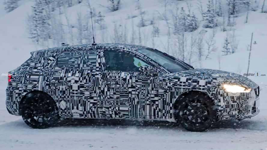 2019 SEAT Leon Spied Testing With Full Body Camouflage