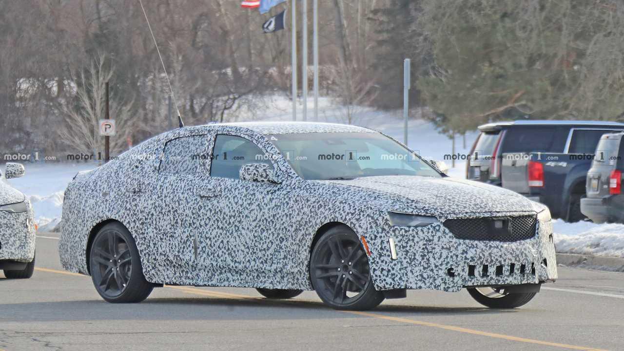 Cadillac покажет 30 мая седаны CT4-V и CT5-V