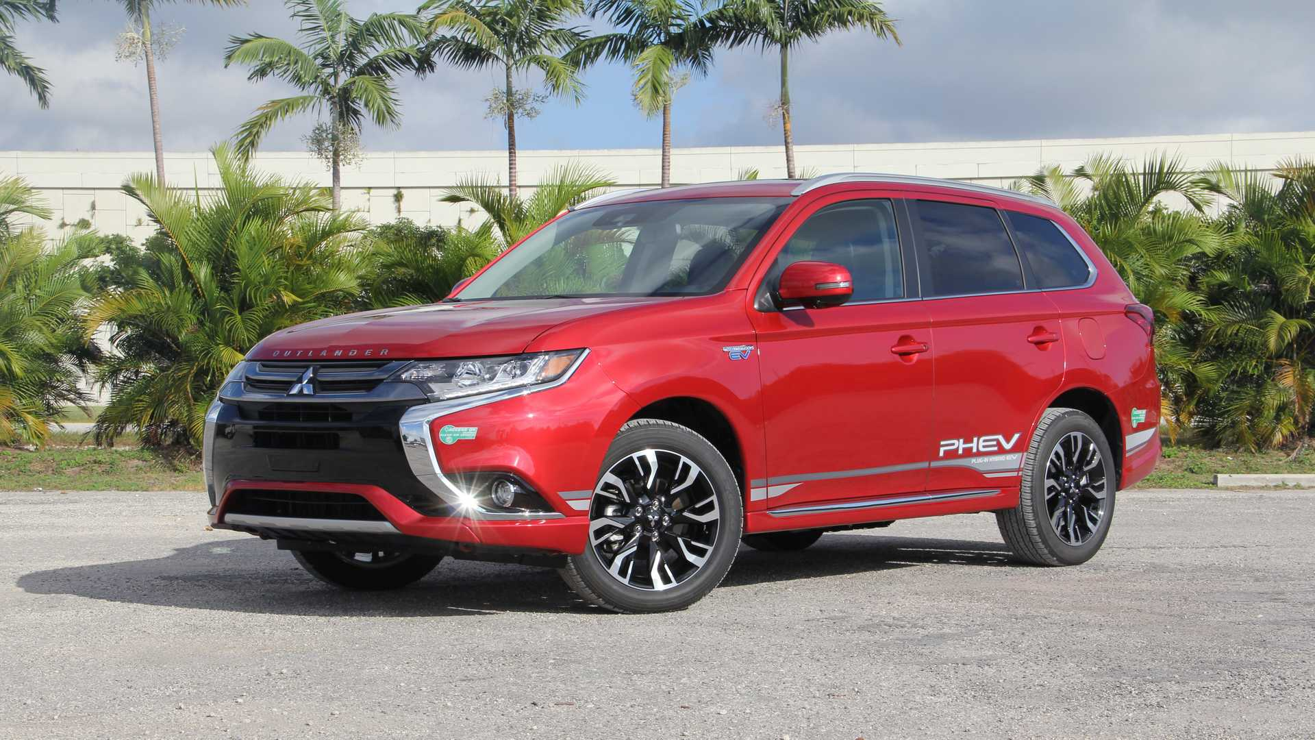 2018 Mitsubishi Outlander Phev Gt Review Plug It In Plug It In