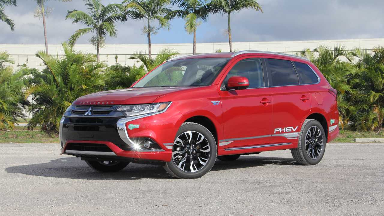 2018 Mitsubishi Outlander PHEV GT: Review