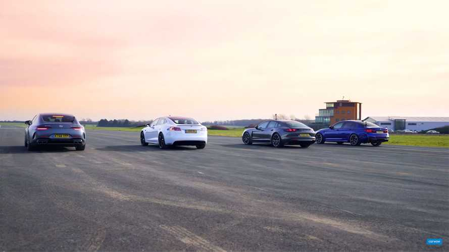 Watch these fantastic four-door saloons race in 360 degrees