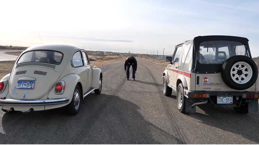 Classic VW Beetle And Suzuki Samurai Drag Race