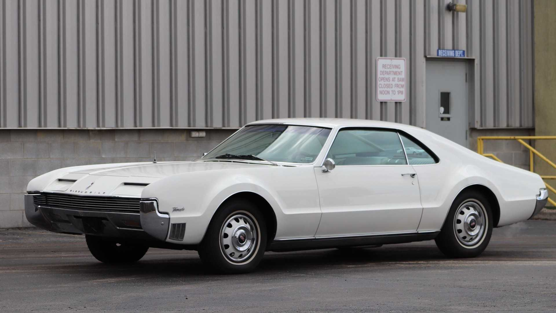 This 1966 Oldsmobile Tornado Would Look Great In A Collection