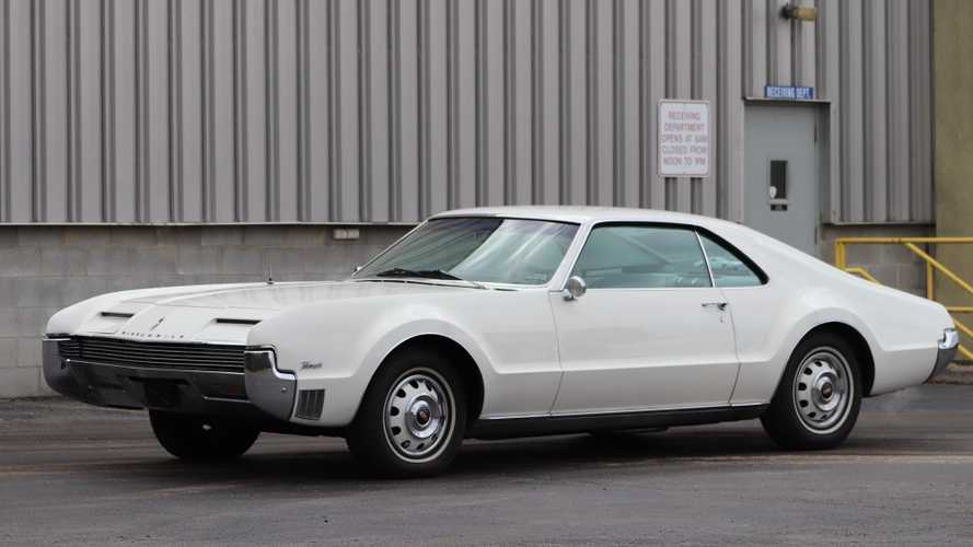 This 1966 Oldsmobile Toronado Would Look Great In A Collection