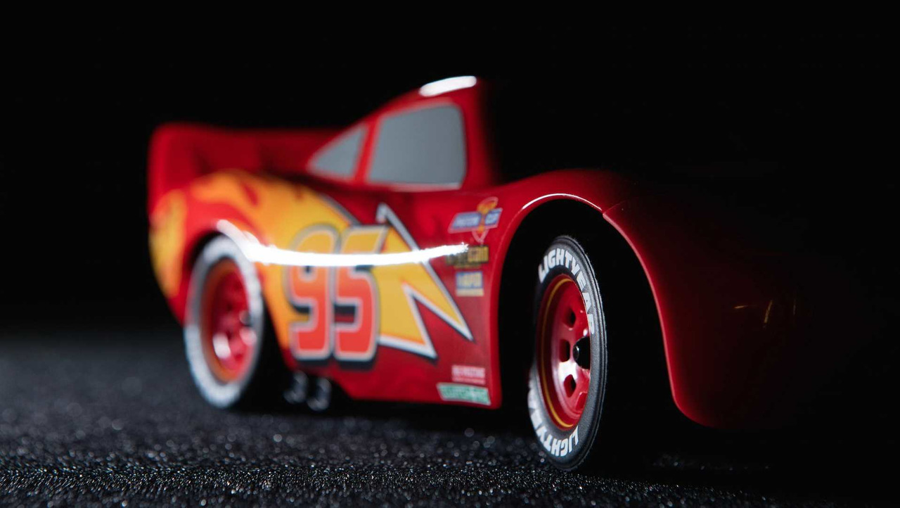 what kind of car is lightning mcqueen