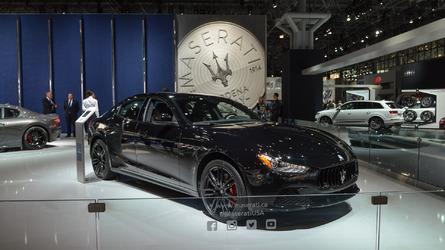 New York 2017 - La Maserati Ghibli Nerissimo Edition en tenue de soirée