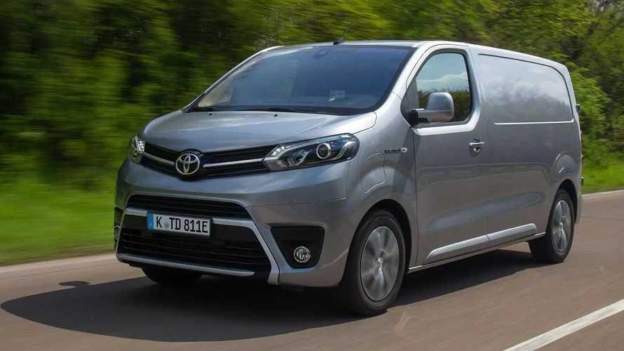 Toyota Proace Electric: E-Transporter nun auch mit Toyota-Logo
