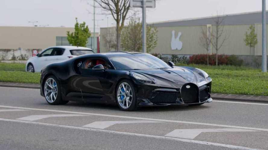 Самый дорогой Bugatti впервые заметили на дорогах