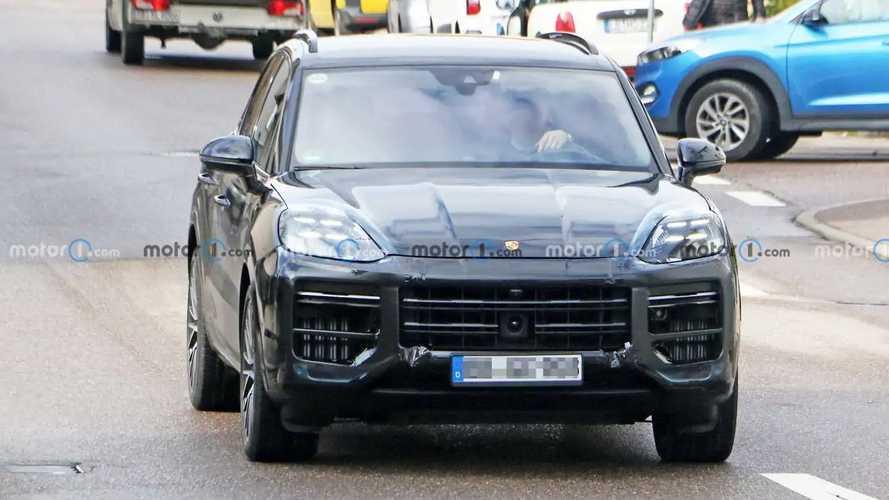 Porsche Cayenne facelift new spy photos