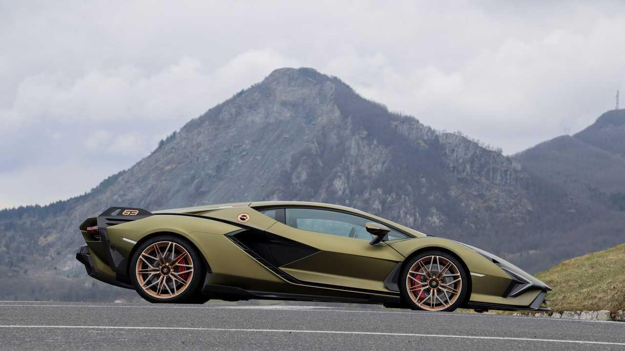 Lamborghini SIAN - Prova su strada