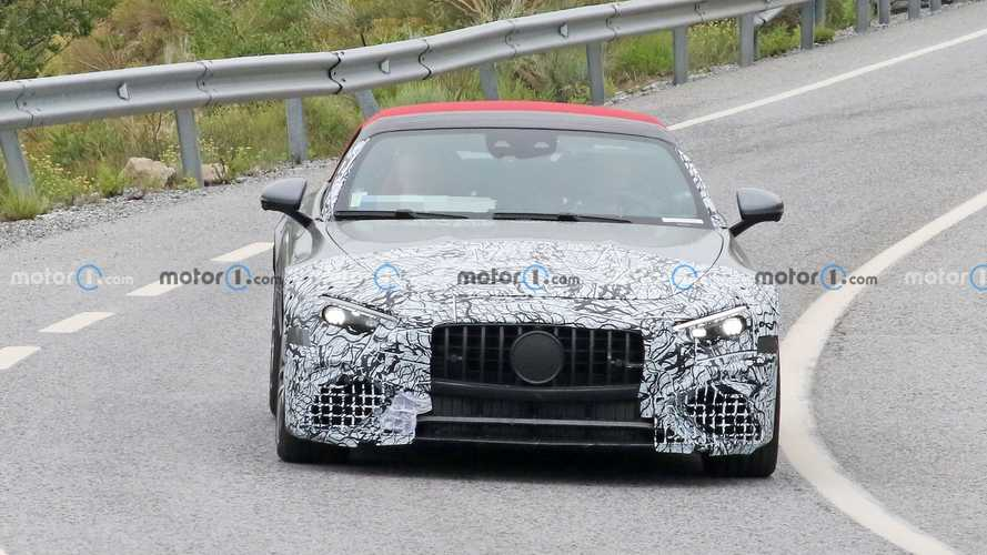 2022 Mercedes-AMG SL spied with less camouflage
