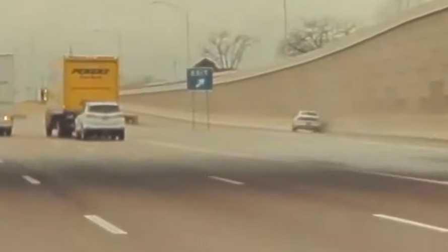 Videó: Már az autópályán sem biztonságos Ford Mustangba ülni?