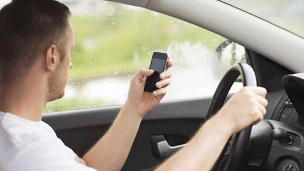 Uso del móvil al volante