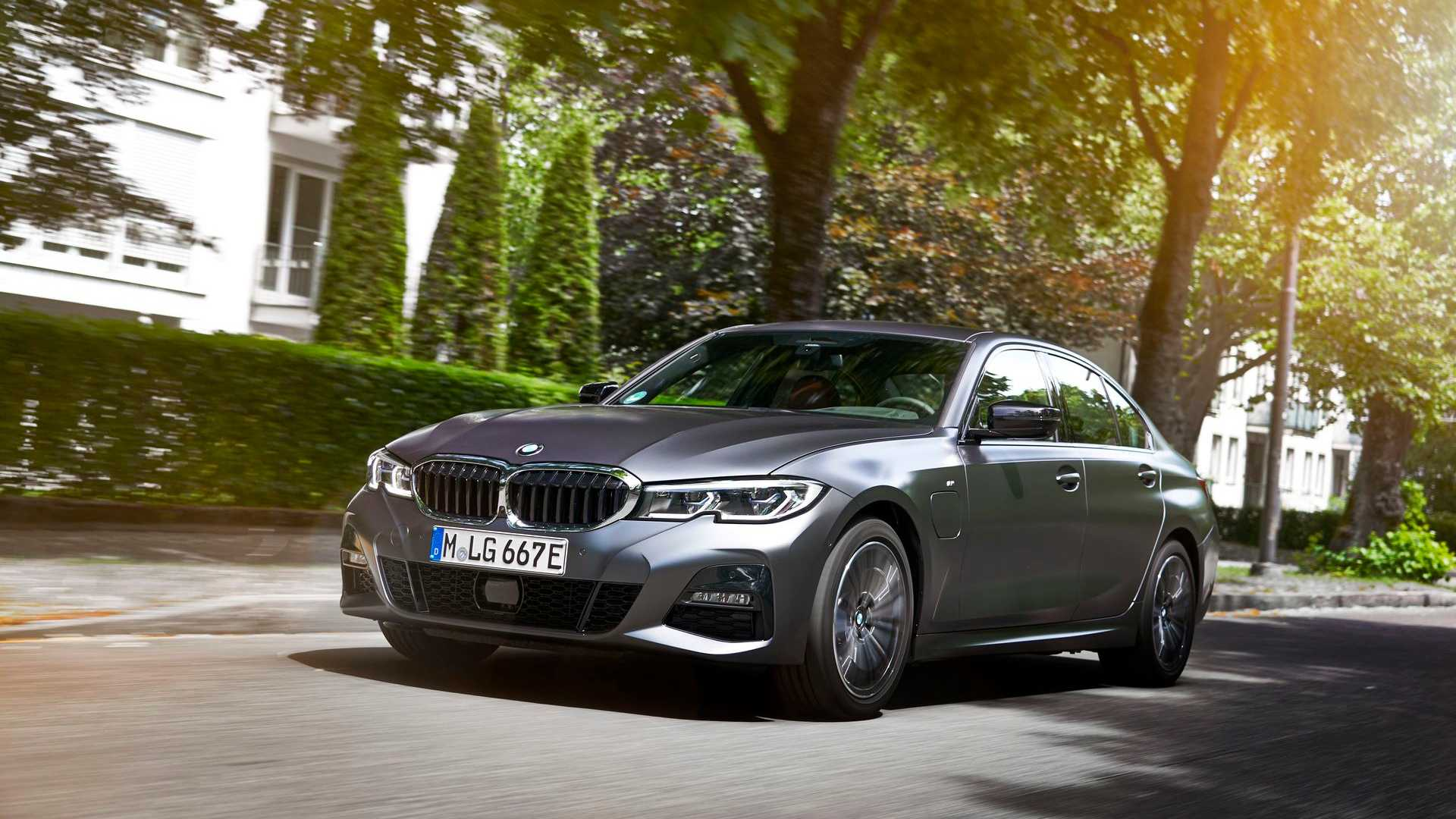 BMW 330e Sedan: Full Specs And New Photos/Videos