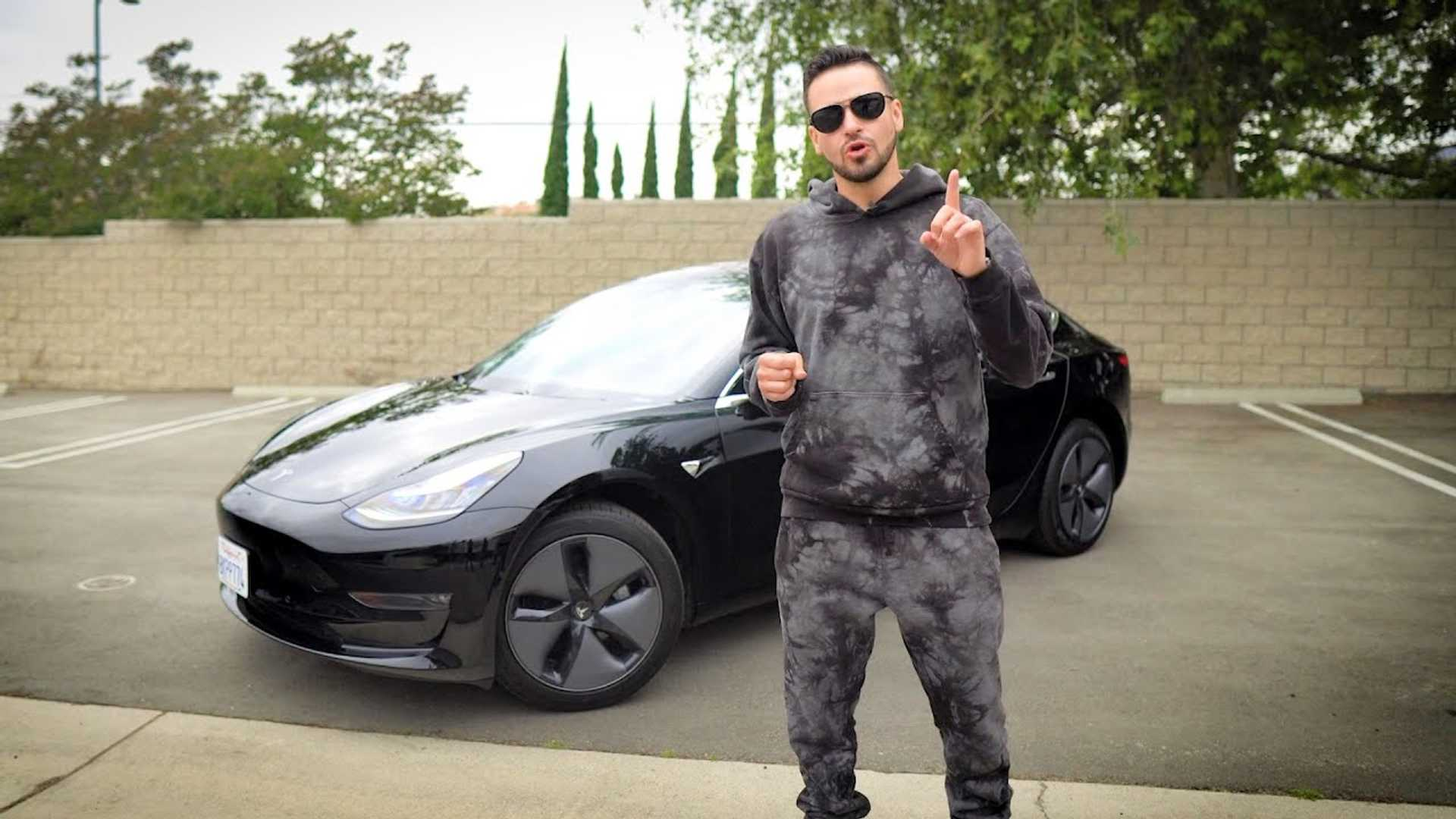 Tesla Model 3 Begins Salomondrin Garage Switch To Electric