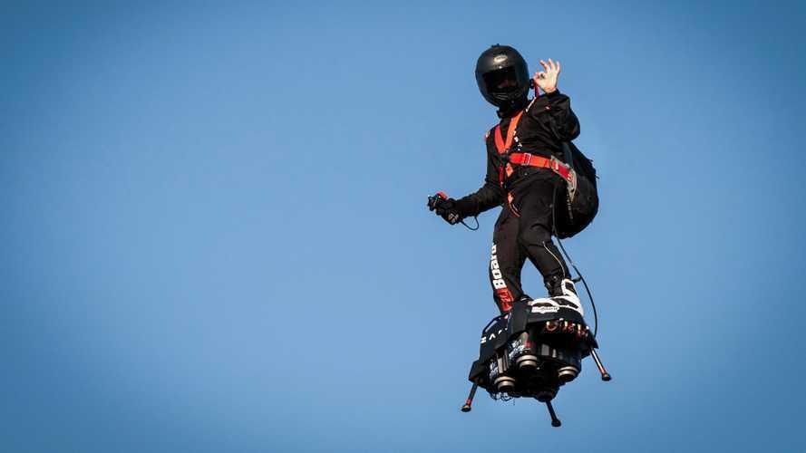 Franky Zapata s'apprête à présenter sa voiture volante et autonome !