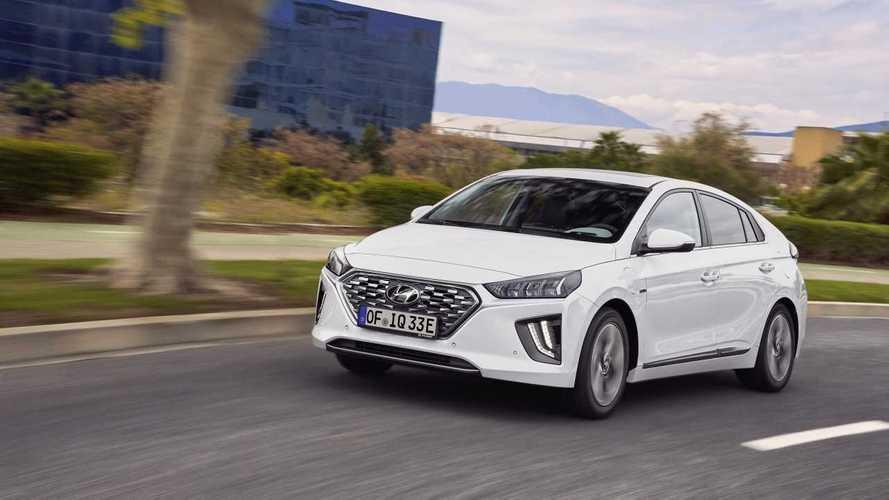 Hyundai Ioniq Hybrid e Plug-in Hybrid, sempre più connesse ed efficienti