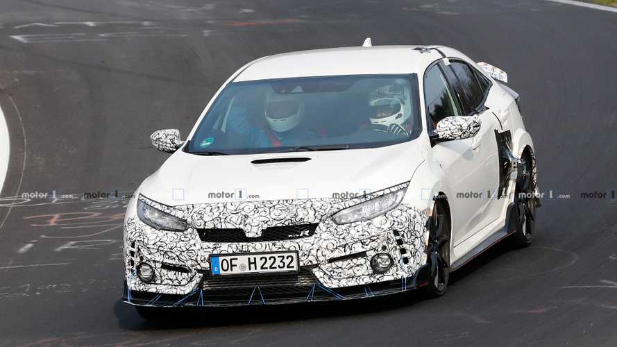 Multiple Honda Civic Type R Test Mules Spied At The Nürburgring