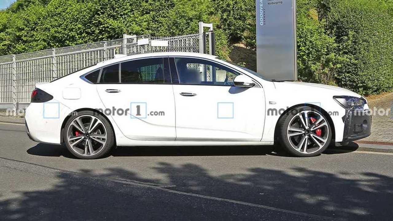 Opel Insignia restylée photos espion