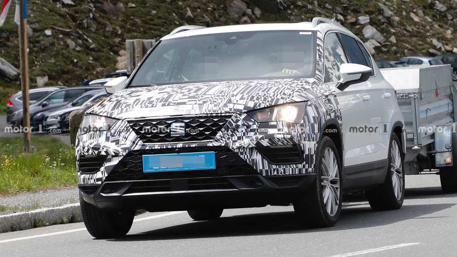 SEAT Ateca spied partially camouflaged towing trailer
