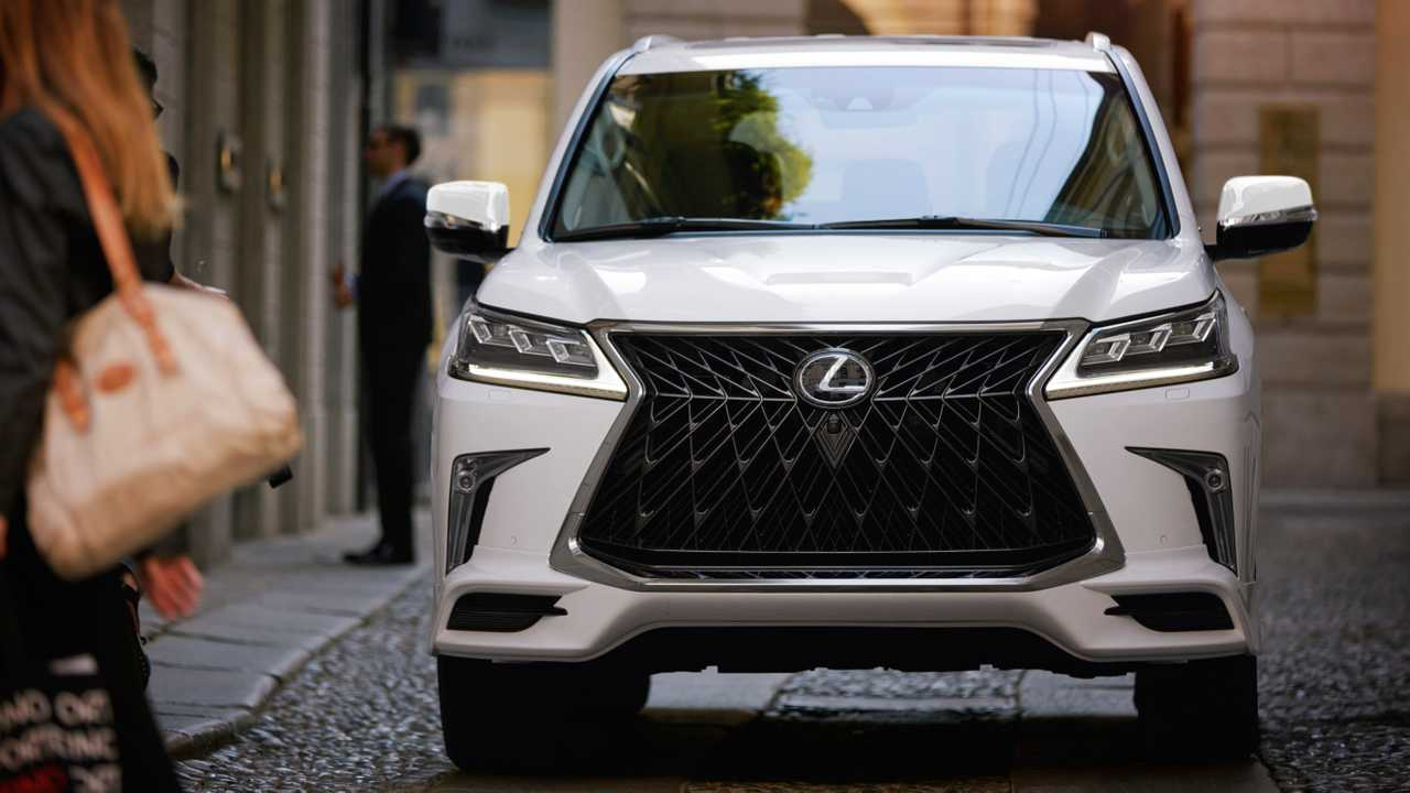 2020 Lexus LX 570 Redesign, Engine, Specs >> 2020 Lexus Lx570 Looks Slightly Meaner With Sport Package