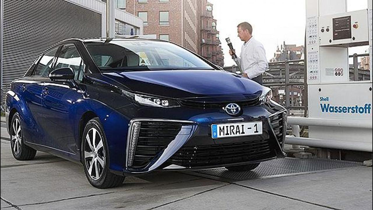 [Copertina] - Toyota, entro il 2020 almeno 30.000 auto ad idrogeno