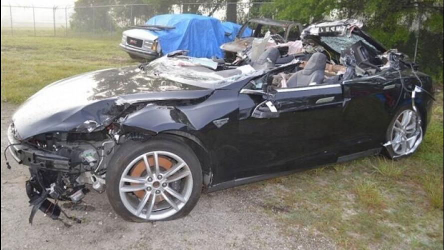 Incidente Tesla, emersi tutti i dettagli