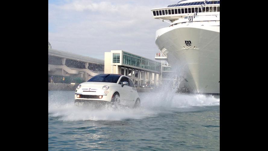 Fiat 500 diventa un motoscafo e scorta una nave da crociera