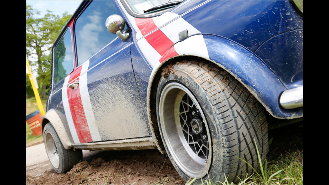 Durch die häufigen Regenfälle ließ sich ein Verschmutzen der gepflegten Fahrzeuge oft nicht vermeiden.