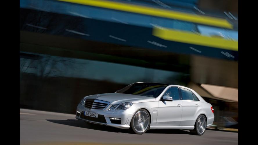 In Mercedes di traverso, a caccia del record mondiale