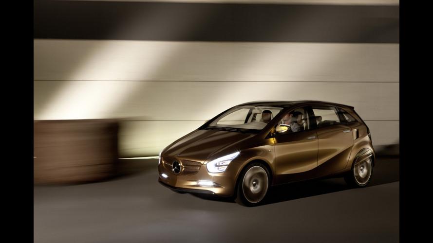 Nuova Mercedes Classe B, prima foto dal vivo