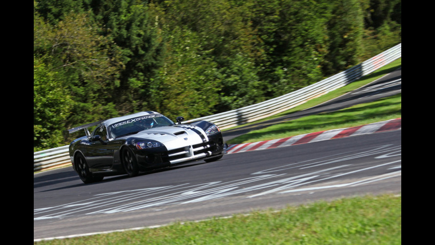 Dodge Viper SRT-10 ACR: sul Ring in 7:12.13