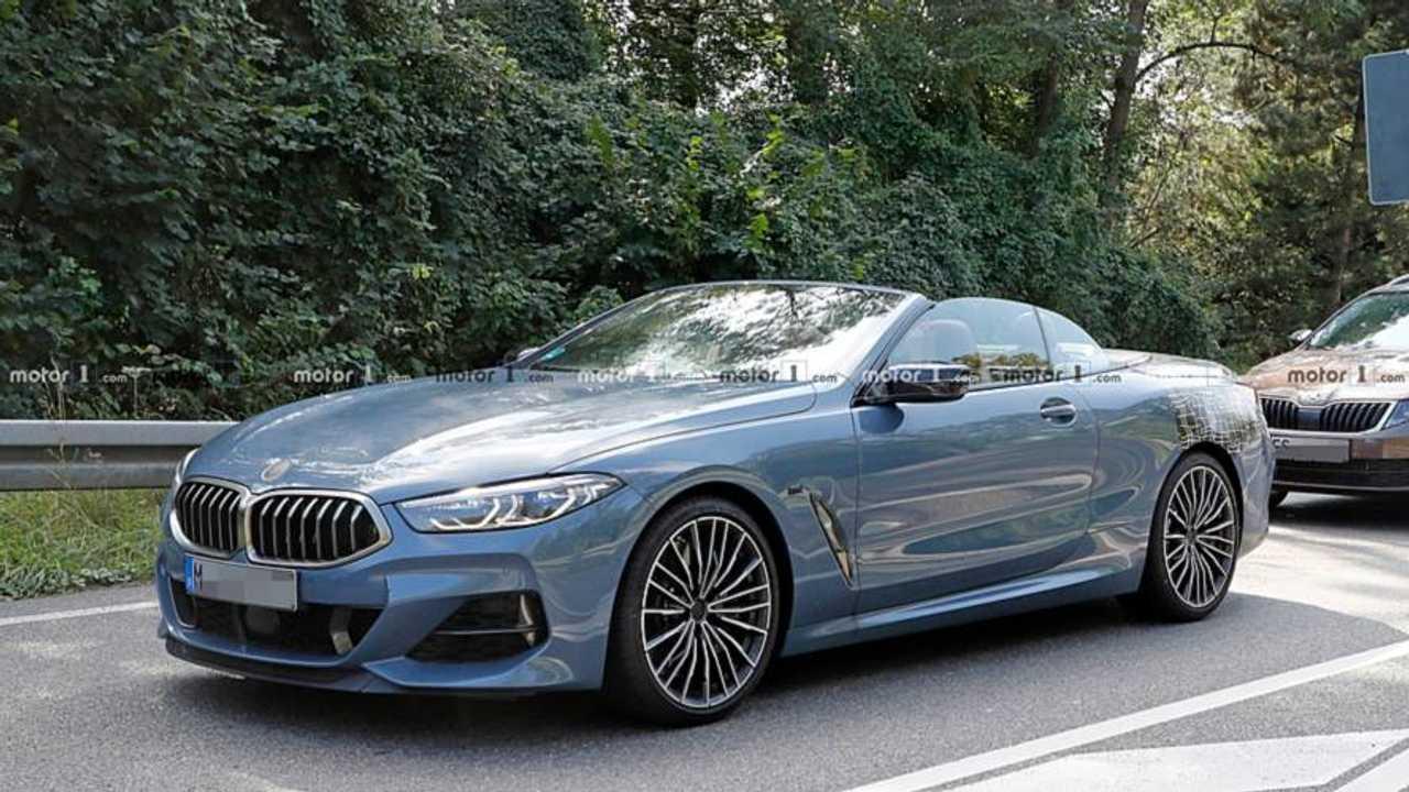 BMW 8 Serisi Convertible kamuflajsız casus fotoğraf