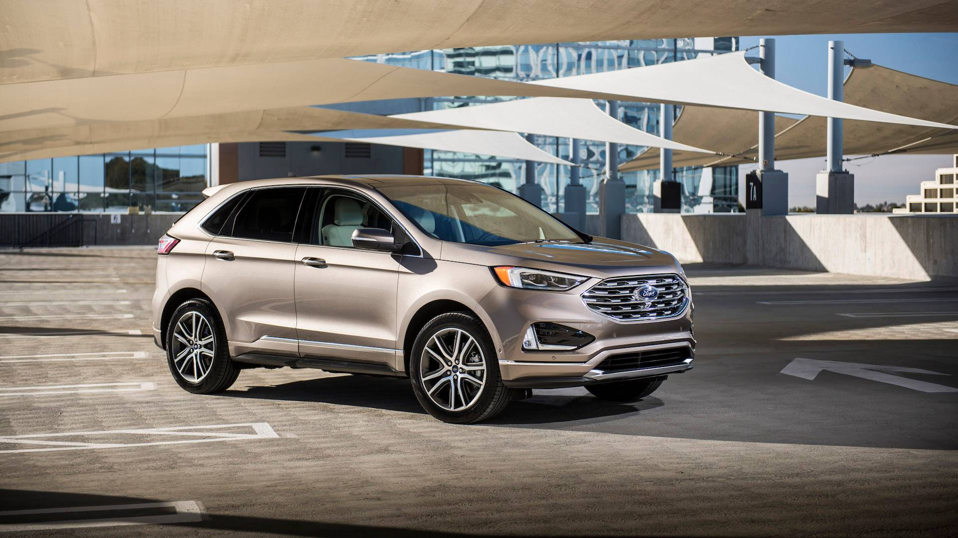 2018 Ford Edge: Facelift, Changes, Price >> 2019 Ford Edge Titanium First Drive On The Edge Of Glory