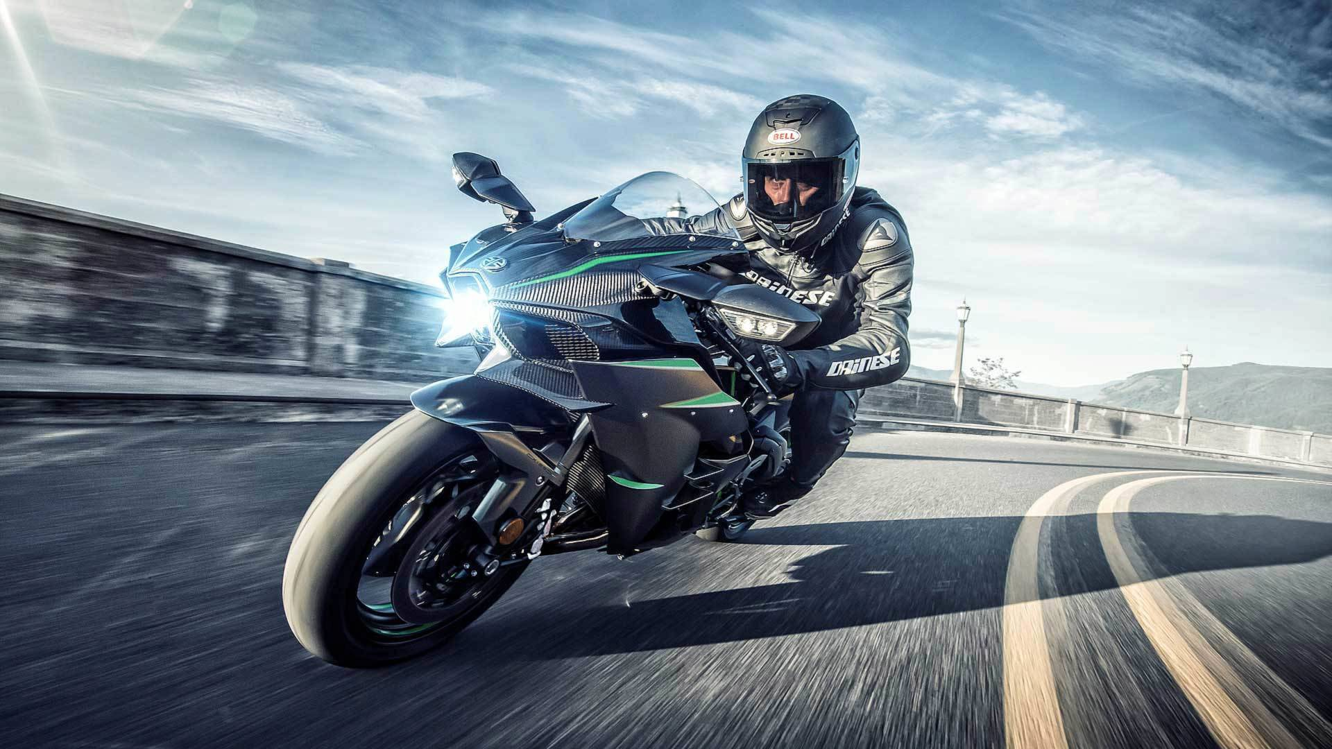 Kawasaki Unleashes 2019 Ninja H2 H2 Carbon And H2r