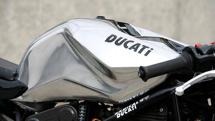 Custom: Radical Ducati Raceric