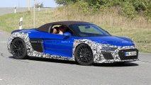Makyajlı Audi R8 Spyder Casus Fotoğrafları