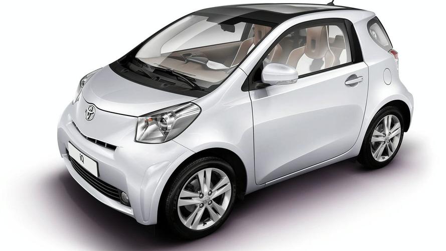 Toyota iQ Style Concepts Displayed in Frankfurt
