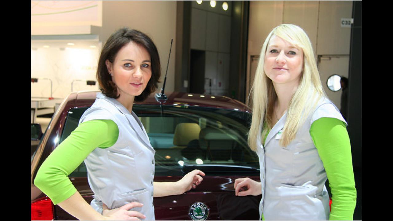 Schauen Sie mal zu Skoda: Diese Damen geben gern Auskunft